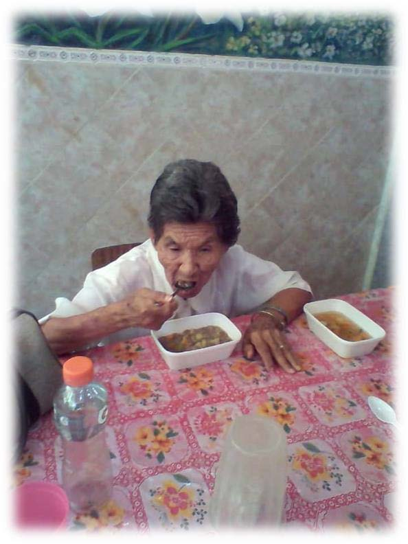 People of Venezuela eating